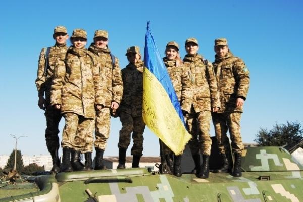 Як студенти військової кафедри у військовій частини знайомилися зі зброєю, технікою та вояцьким побутом