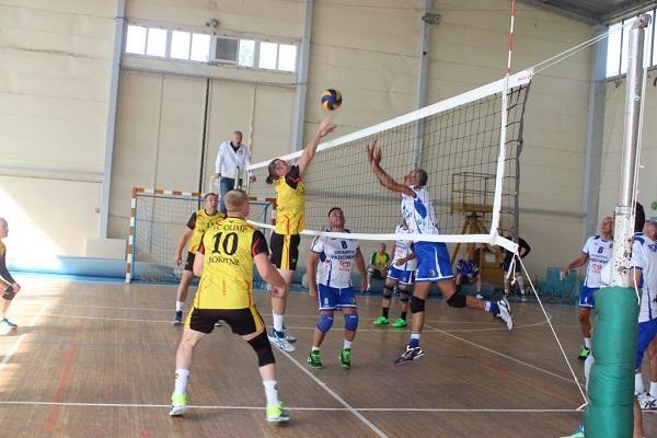 Волейбольні ветерани Рокитного перемогли на Міжнародному турнірі