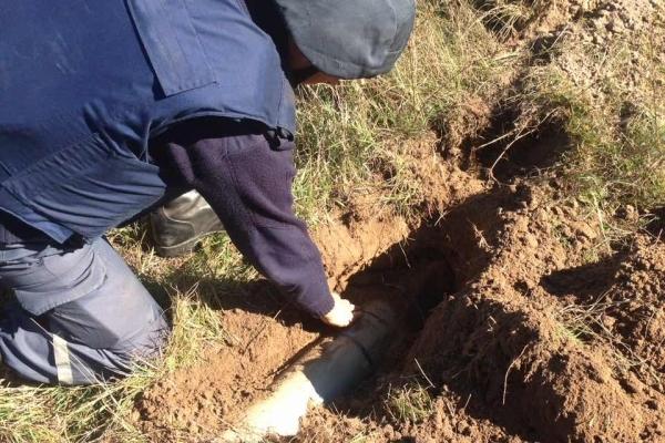Піротехніки з Рівненщини очищають територію складів Міноборони поблизу смт Дружба (Фото)