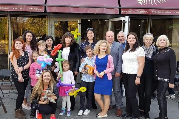 Під час благодійного святкування дня народження збирали гроші для мами Олександра Храпаченка (Фото)