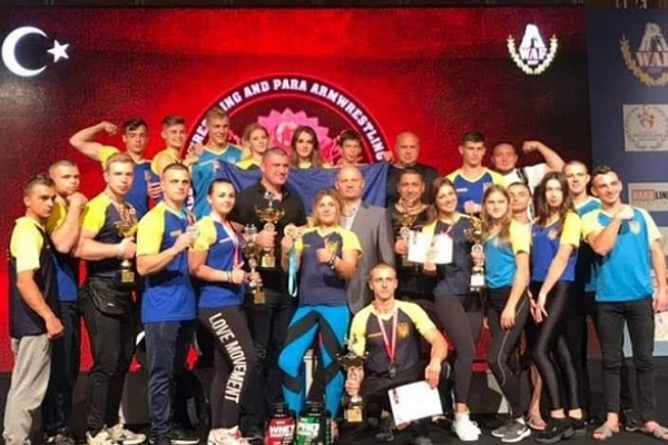 Дубенські артмреслери повернулися з Чемпіонату Світу