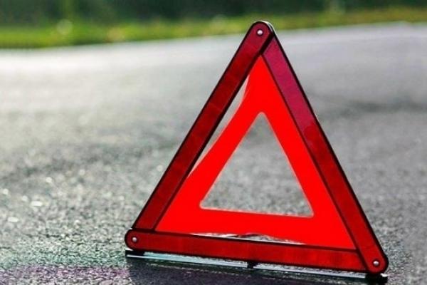 На Рівненщині автівка злетіла у кювет