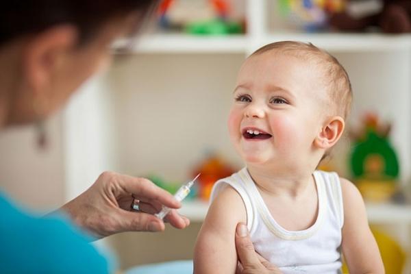Лише третина дітей до одного року на Рівненщині отримала вакцину від поліомієліту у цьому році