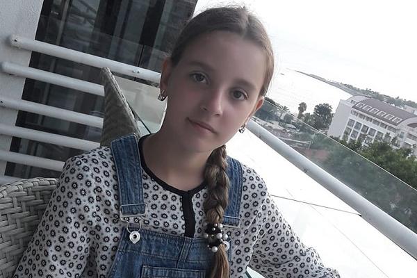 Дівчинка, яка потрапила у ДТП на Макарова, лікується за кордоном