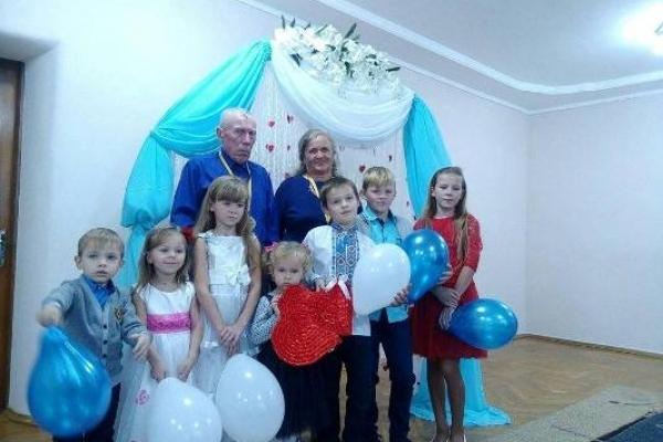Подружжя з Березнівщини відсвяткувало сапфірове весілля