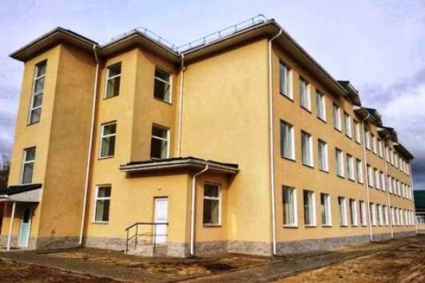Новий корпус школи добудовують у багатодітному Старому Селі