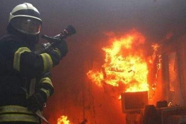 Під час пожежі у Рівному врятували трьох дітей