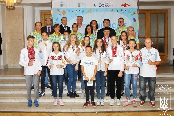 Команда «Екстрім» Рівненського НВК «Колегіум» взяла участь у Всеукраїнському фіналі «Олімпійського лелеченяти»