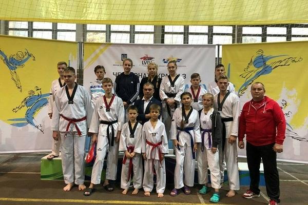 Рівненські тхеквондисти на Чемпіонаті України здобули 6 медалей