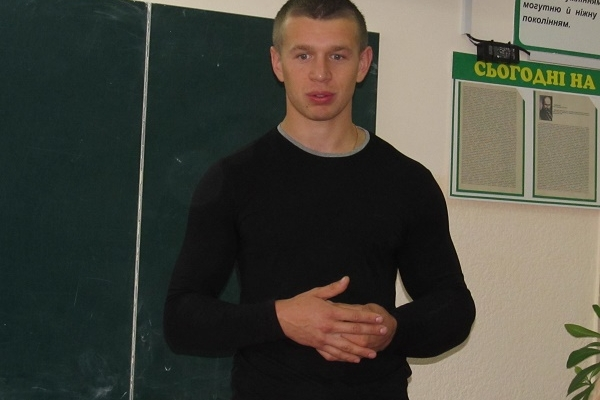 У важкому стані нині перебуває Олег Жох, який потрапив у ДТП на Радивилівщині (Фото)