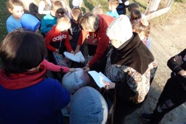 На Березнівщині  відбулася акція - «Не викидайте гроші на смітник!»
