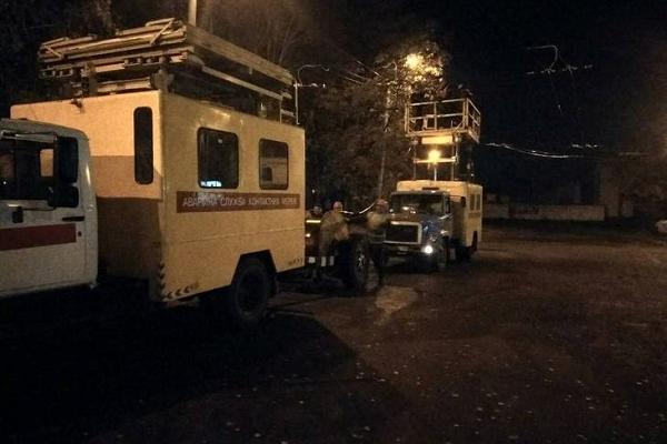 У Рівному вночі проводять ремонтні роботи (Фото)