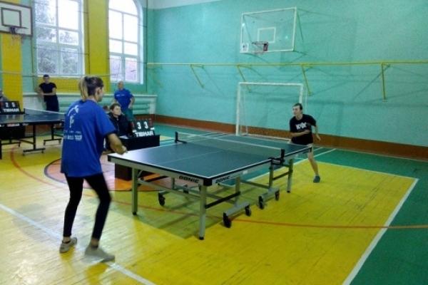 Чемпіонат із настільного тенісу відбувся у Рівному