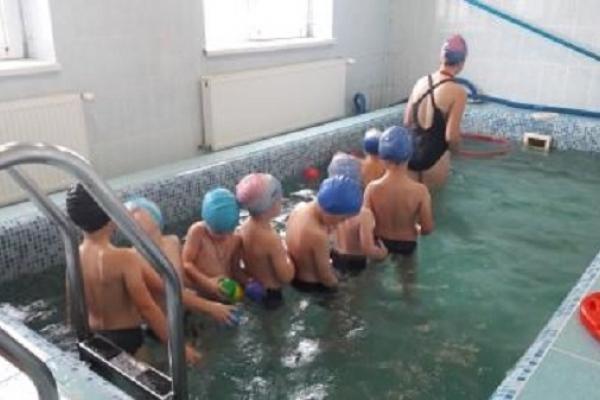 У дитсадку на Рівненщині вчать плавати вихованців (Фото)