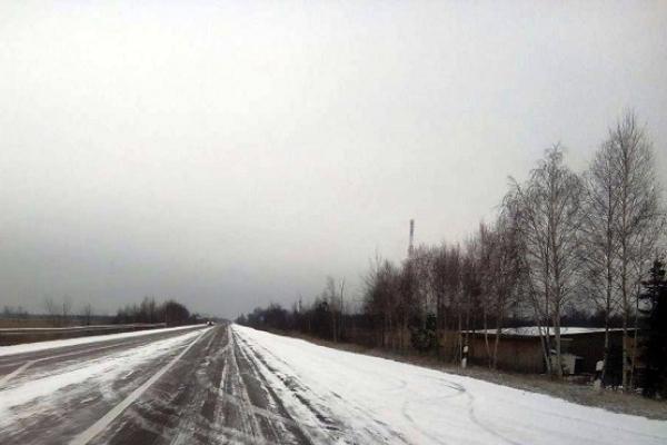 На Рокитнівщині випав сніг (Фото)