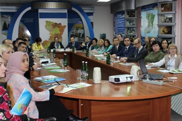 Економіку Рівненщини вивчає міжнародний трейд-клуб