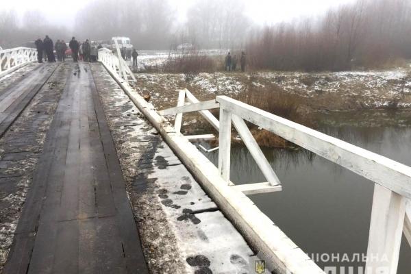 На Дубровиччині смертельна ДТП: авто злетіло з мосту (Фото)