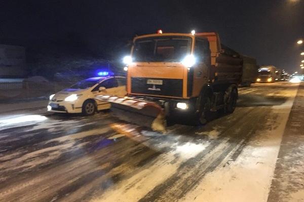 Де на Рівненщині водії вантажівок можуть перечекати негоду?