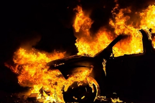 У селі Зоря, що на Рівненщині, вночі згорів автомобіль