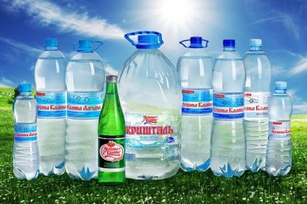 У виробничих цехах з розливу відомої брендової води на Рівненщині виявили понад 50 порушень