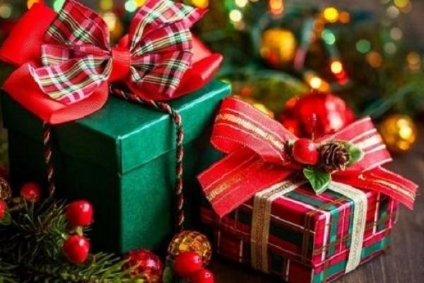 У Рівному необхідна допомога в оформленні подарунків онкохворим діткам
