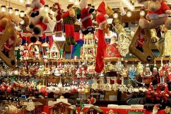 Де у Рівному можна буде придбати ялинку та новорічну атрибутику?