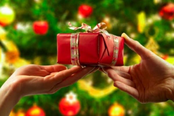 Деякі новорічні подарунки жителям Рівненщини доведеться оподаткувати