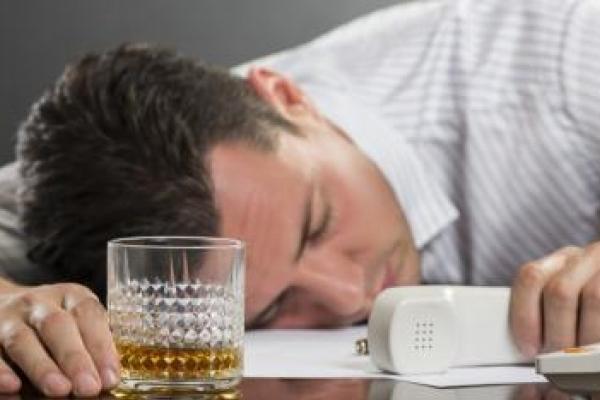 Роботодавцям Рівненщини на замітку: як відсторонити від роботи п'яного працівника