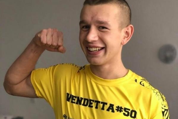 Добра новина: травмований  рукоборець Олег Жох підвівся на ноги