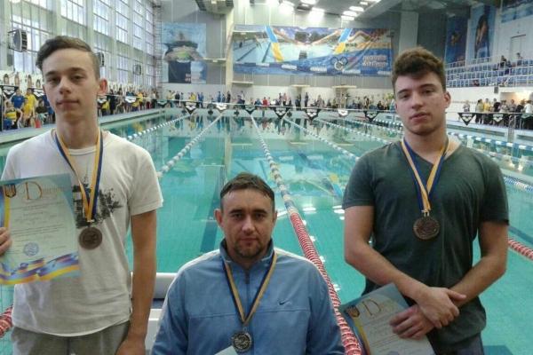 Рівненські плавці завоювали медалі на Чемпіонаті України