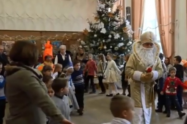 Федерація профспілок Рівненщини подарувала дітям новорічне свято (Відео)