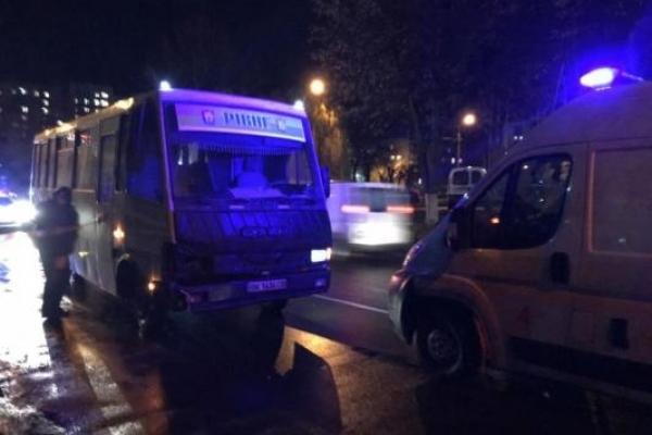 2 січня у Рівному автобус збив чоловіка та жінку
