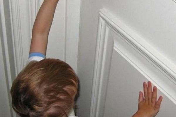 Рівненські рятувальники двічі визволяли дітей із замкнених домівок