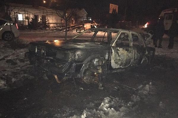 У Рівному згорів автомобіль (Фото)