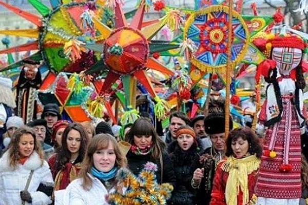 У Рівному - фестиваль вуличних музик та вертепів «Нова радість стала»