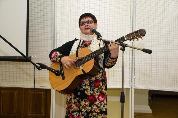 У Рівному відбудеться зустріч з поетесою Лідією Гольонко