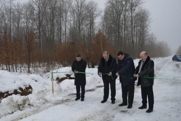 На Рівненщині нова лісова дорога з'єднала два райони