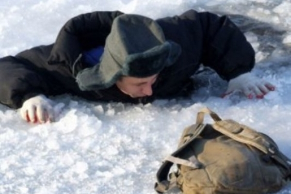 Як чоловік з Млинова врятував чоловіка, що провалився під лід