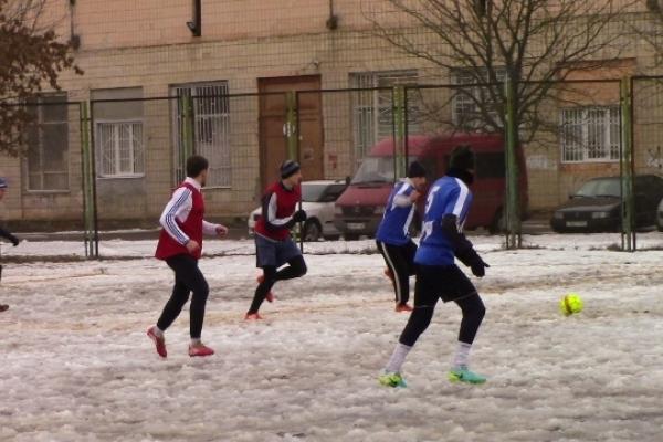 У зимовій першості міста Рівне з футболу визначилися два лідери