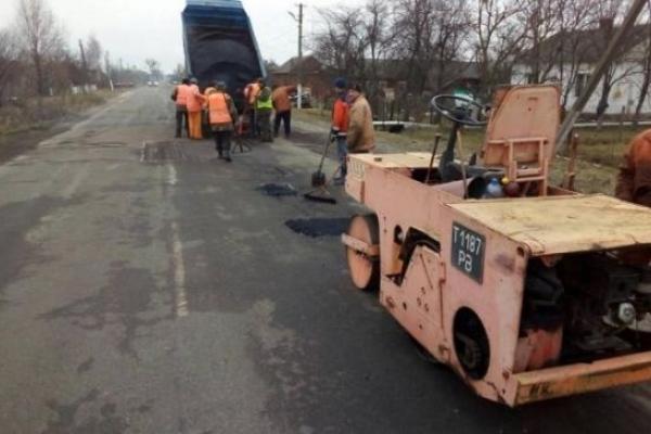 До весни дороги на рівненському Поліссі обіцяють поліпшити