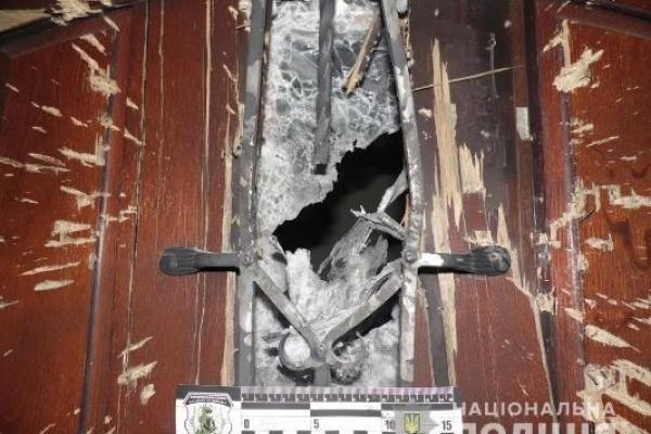 У Рівному під двері приватного будинку кинули гранату