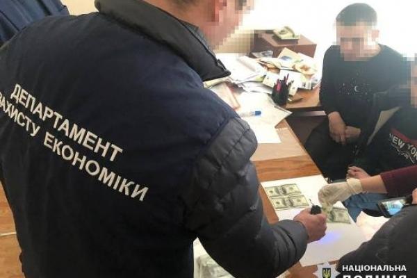 На Рівненщині поліція затримала на хабарі сільського голову