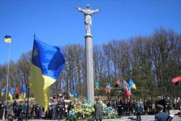 Які пам'ятні дати та ювілеї планують урочисто відзначати у 2019 році на Рівненщині?