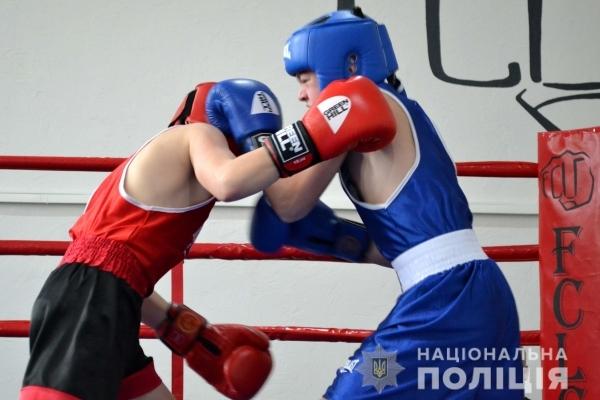Діти рівненських поліцейських здобули нагороди у боксерських поєдинках (Фото)