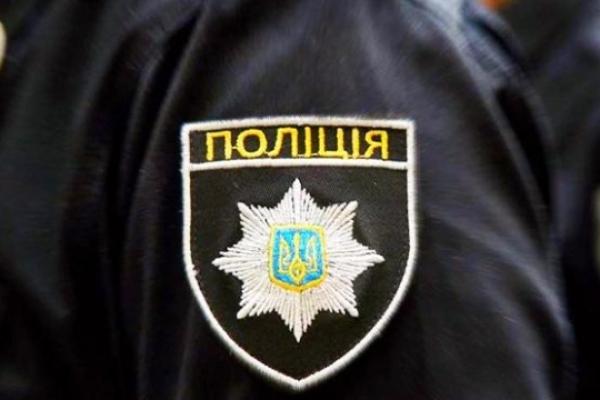 Шахраїв, які вимагали гроші за «звільнення» із поліції, затримали правоохоронці