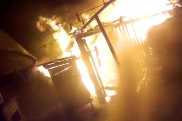 Володимирецькі рятувальники ліквідували пожежу (Відео)