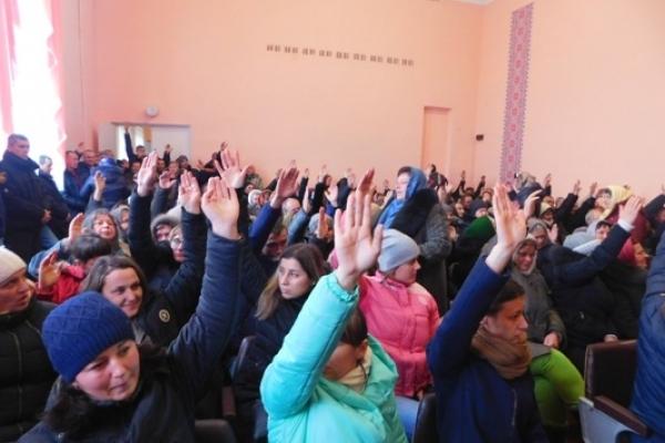 «Сьогодні на вас дивиться Україна…» – Нотатки зі зборів релігійної громади в Довгошиях на Млинівщині