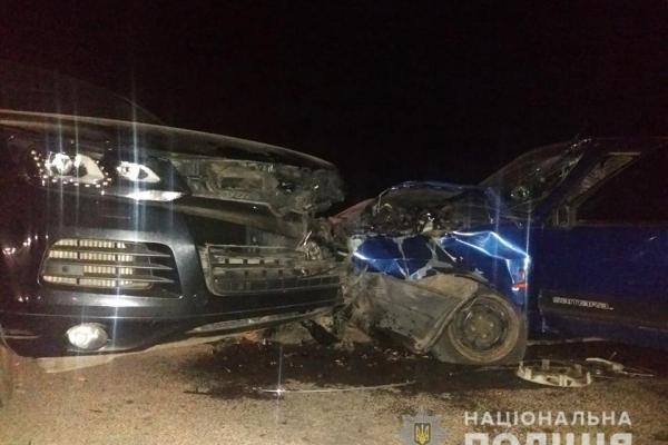 Неподалік Рівного внаслідок зіткнення двох автомобілів постраждав водій