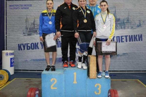 Важкоатлети з Рівненщини здобули 5 медалей Кубку України