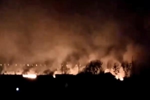 У Дубному поруч із цукровим заводом горіло поле (Відео)